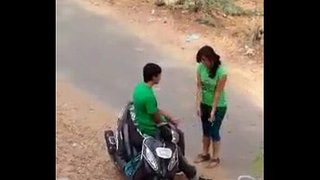 Indian-lover-hot-kiss-in-road