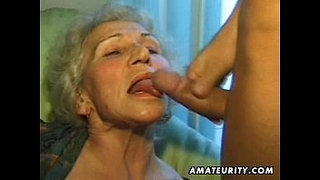 Old-amateur-mature-wife-sucks-and-fucks-with-cumshot