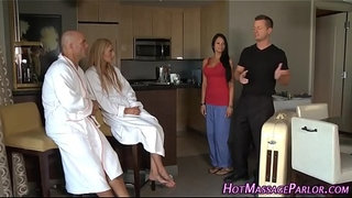 Masseuse-facial-4some
