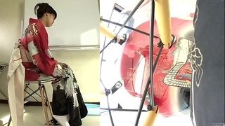 Subtitled-Japanese-kimono-pee-desperation-failure-in-HD