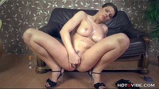 Squirting-Girl-Thick-All-Natural